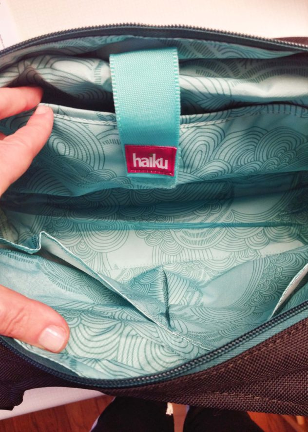 haiku renaissance carryall tote interior view
