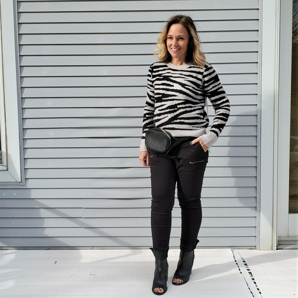 Stitch Fix Design History Litha Crewneck Pullover, Market & Spruce Nina Zipper Detail Skinny Pant, and Sole Society Ady Belt Bag