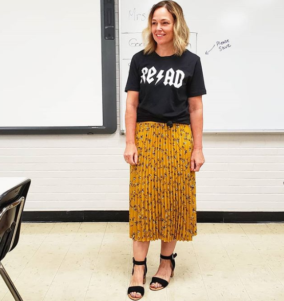 Jenny Everyday Teacher Style wearing Read Tee