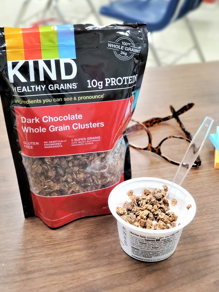 teacher lunch with KIND chocolate protein granola and Greek yogurt