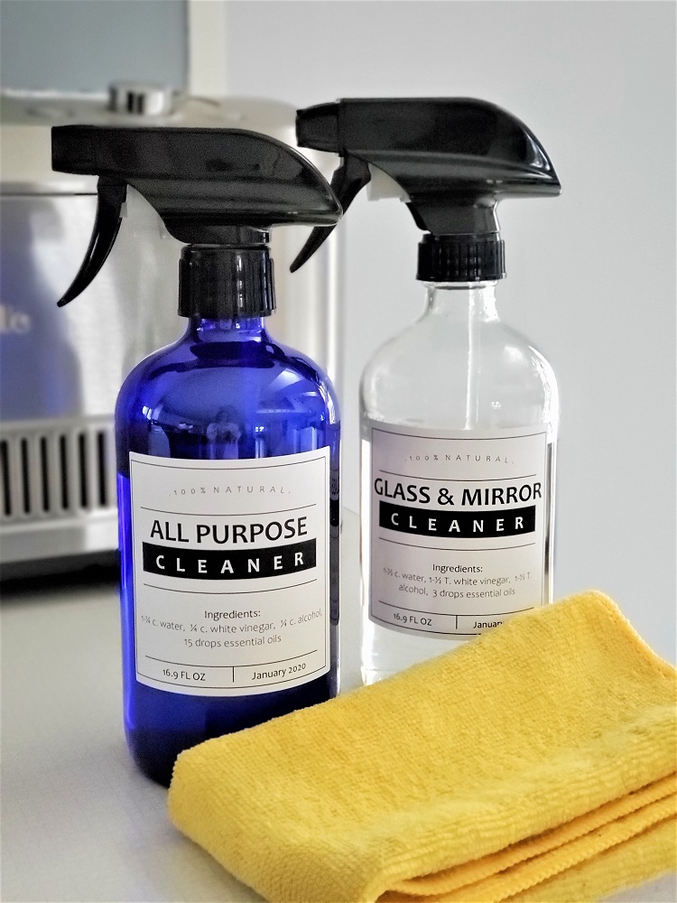 Everyday Teacher Style All Purpose Cleaner and Glass and Mirror Cleaner DIY Essential Oils all natural recipes