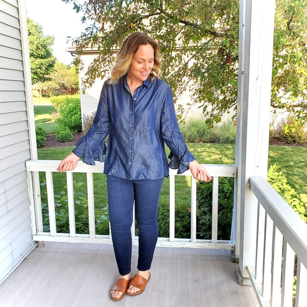 Fancy sleeved chambray shirt with jeggings