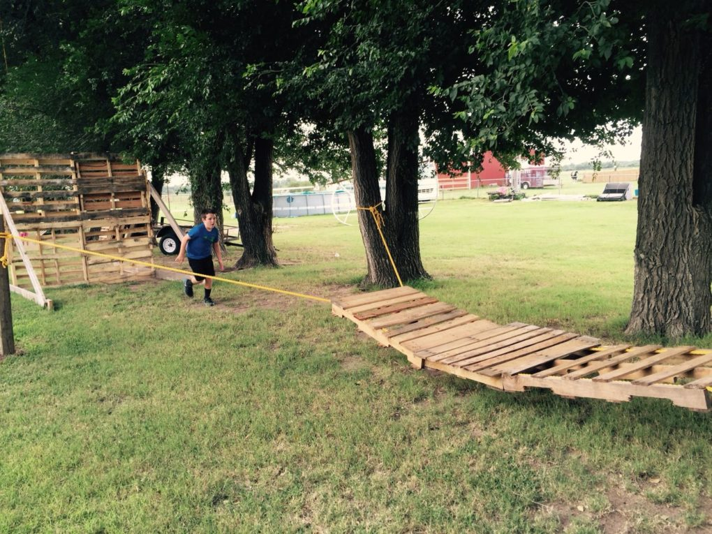 Ninja warrior obstacle course DIY pallet tire example