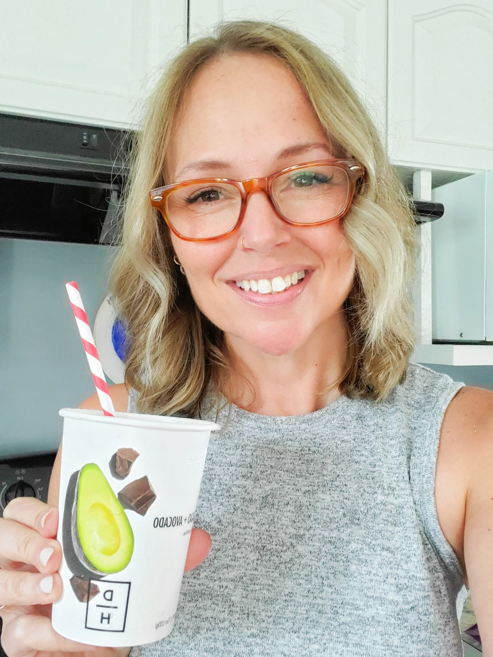 Jenny at Everyday Teacher Style with Daily Harvest Cacao Avocado Smoothie