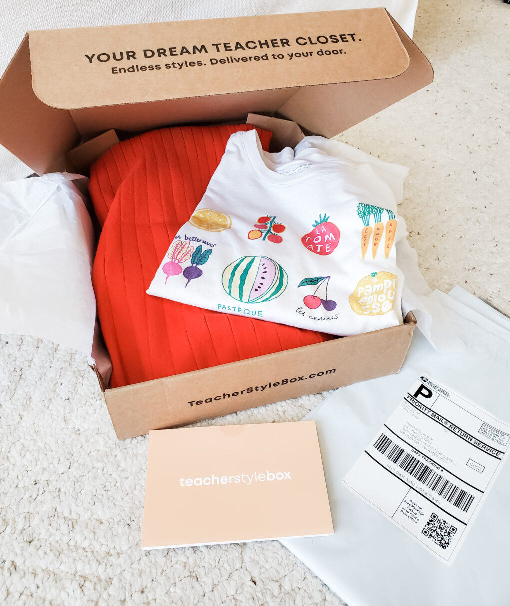 Teacher Style Box unboxing package